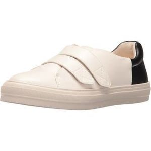 Nine West Oleanoro Sneakers Size 8 Shoes Velcro